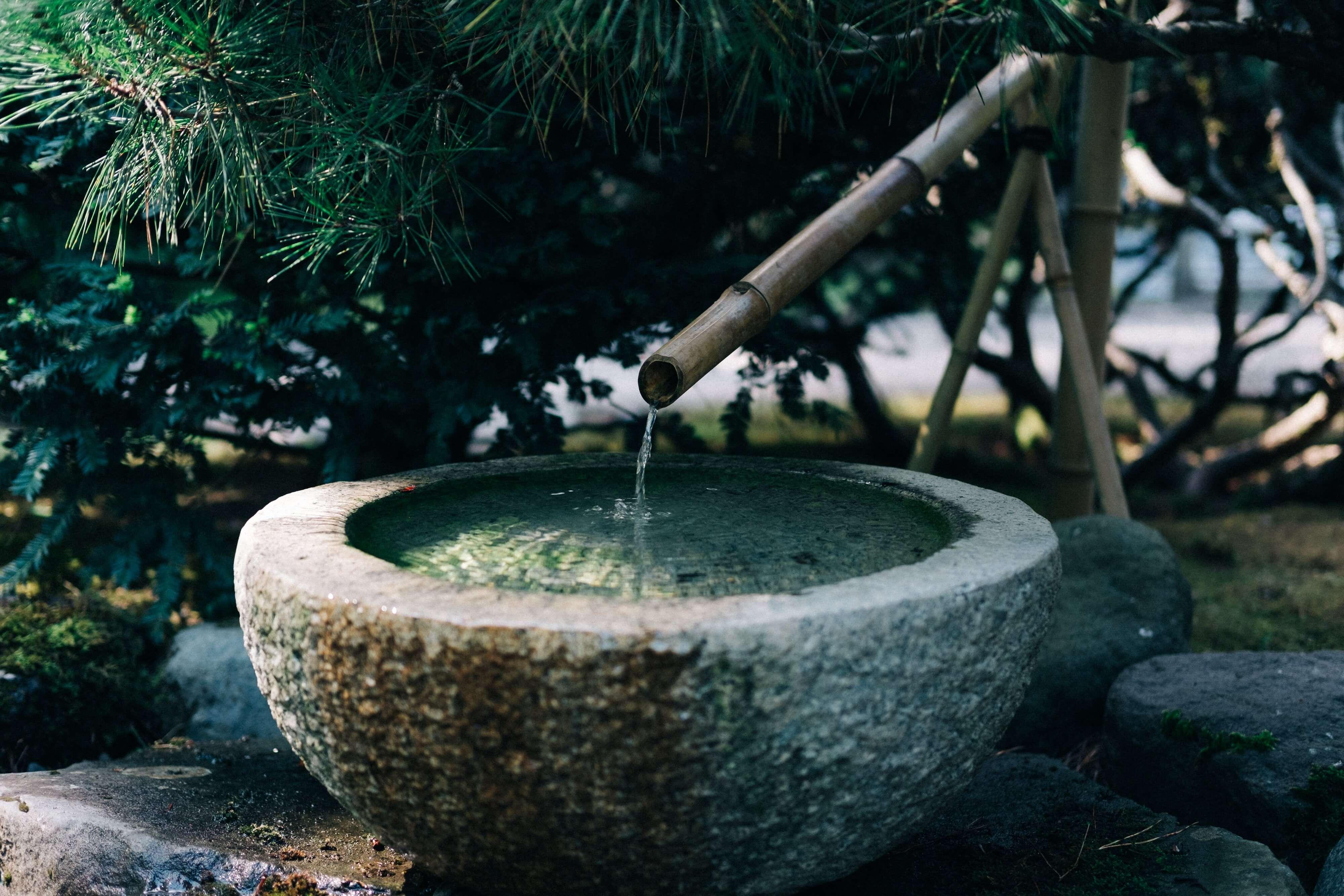 Fontaine d'eau en bambou